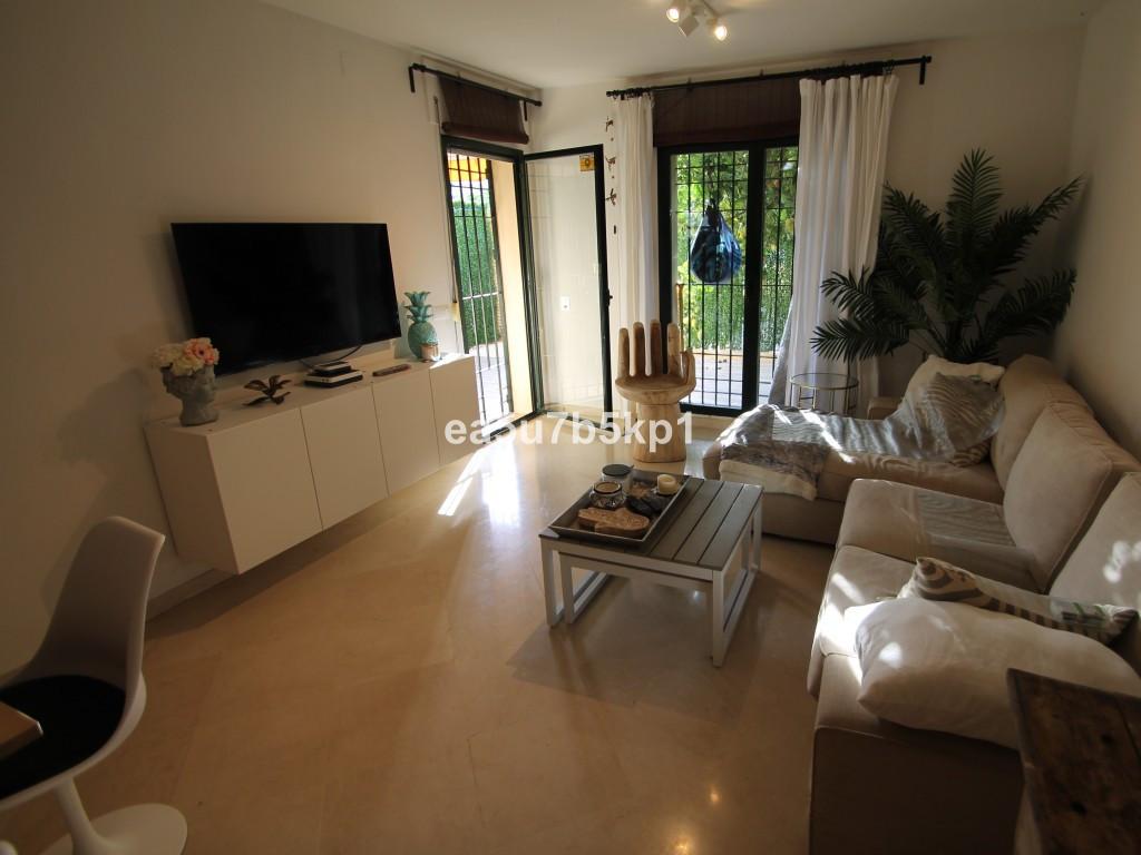 Begane grond appartement te koop in Marbella R3948112