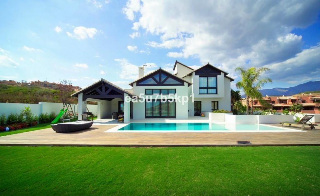 Villa 6 Dormitorios en Venta Casares Playa