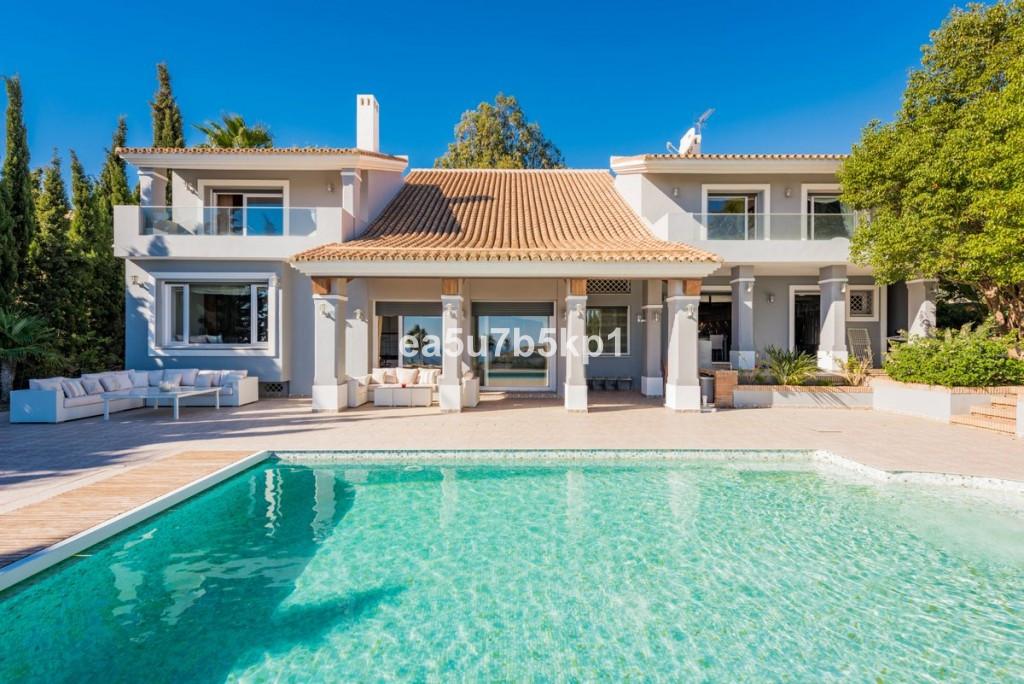 Villa  Detached for sale   in Manilva