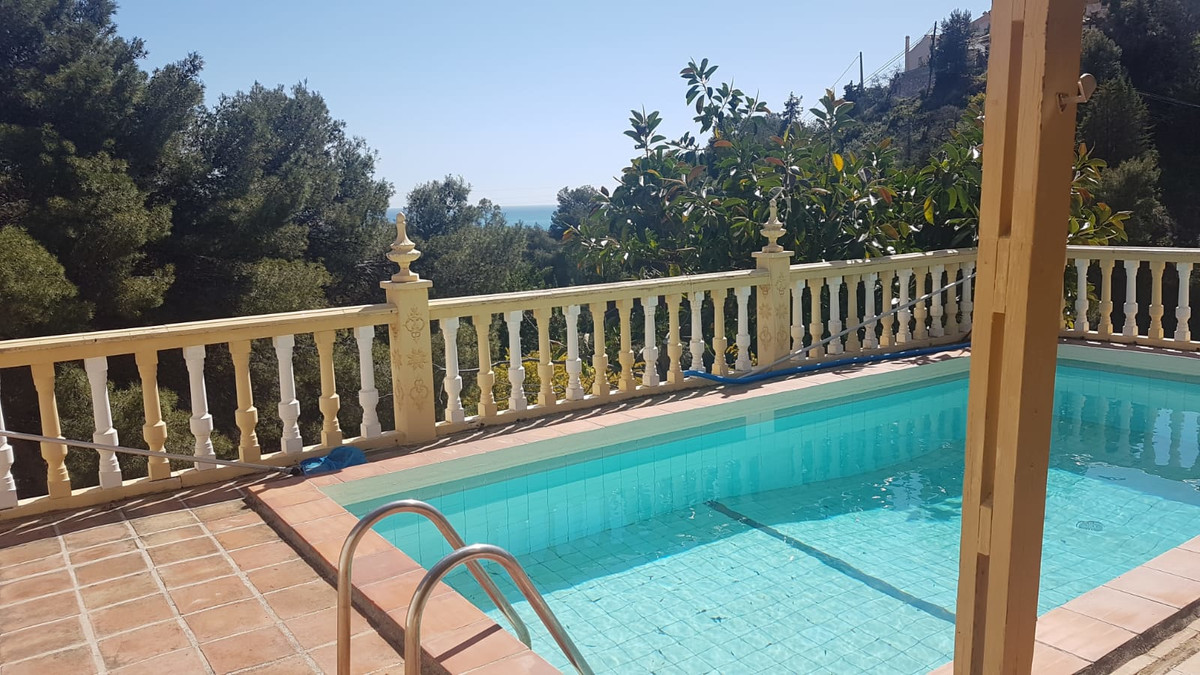 Detached Villa, Torreblanca, Costa del Sol. 4 Bedrooms, 3 Bathrooms, Built 165 m²;, Garden/Plot 996 ,Spain