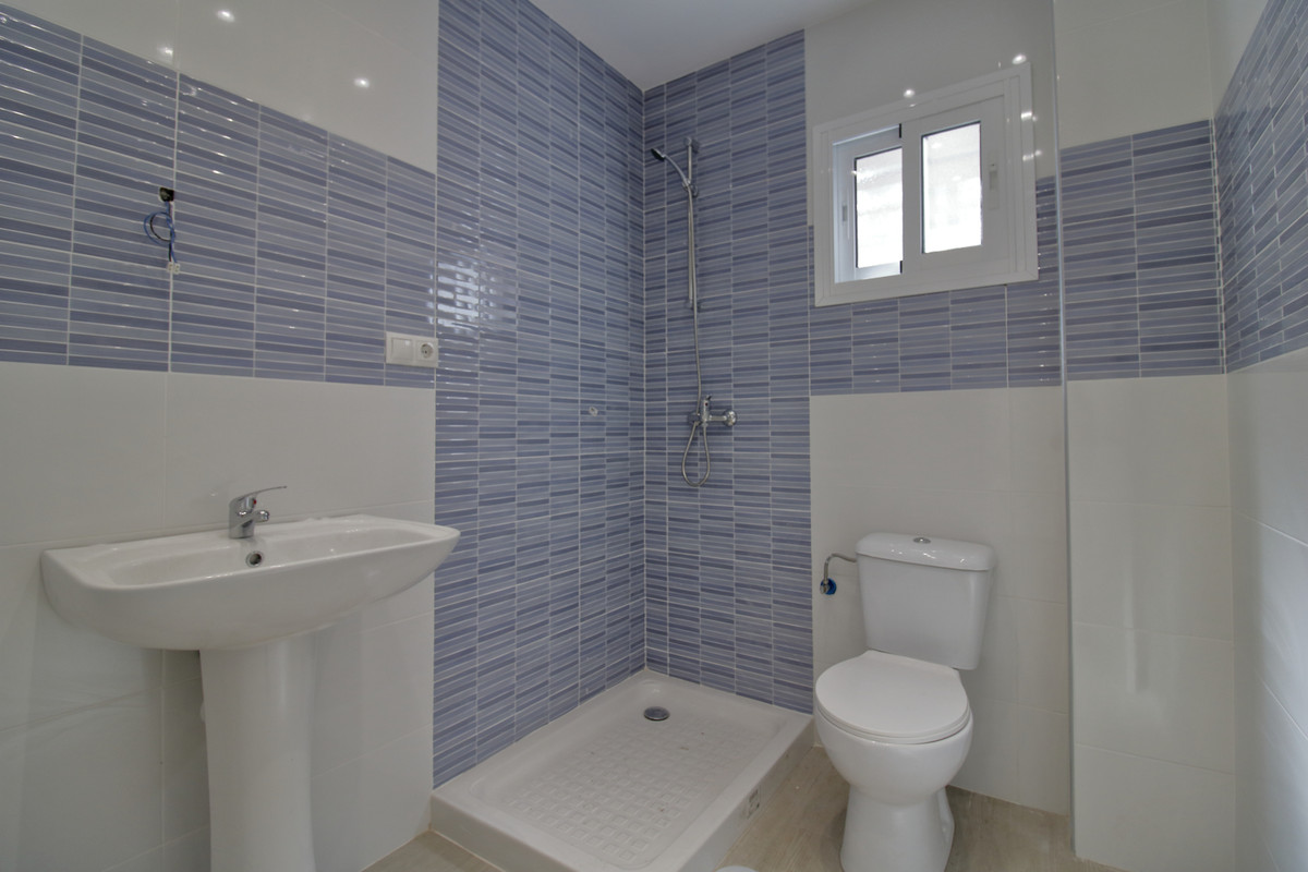2 Bedroom Apartment For Sale, Fuengirola