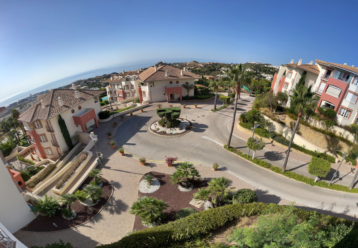 Beautiful 2 bedroom flat with spectacular panoramic sea and mountain views, located in an exclusive ,Spain