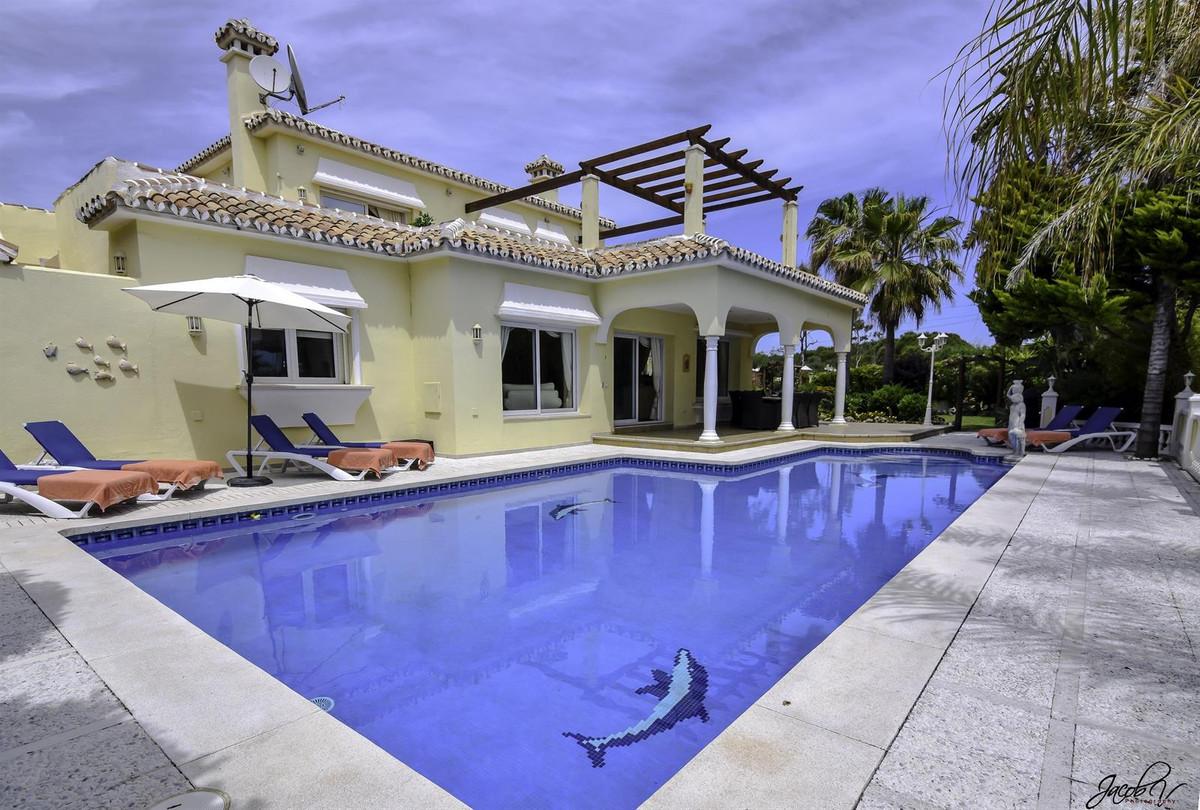 Detached Villa for sale in Marbesa R3885160