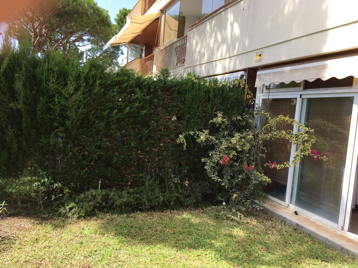 Nice apartment in the lower part of  Calahonda well decorated with 1 bedroom and 1 bathroom , theres,Spain