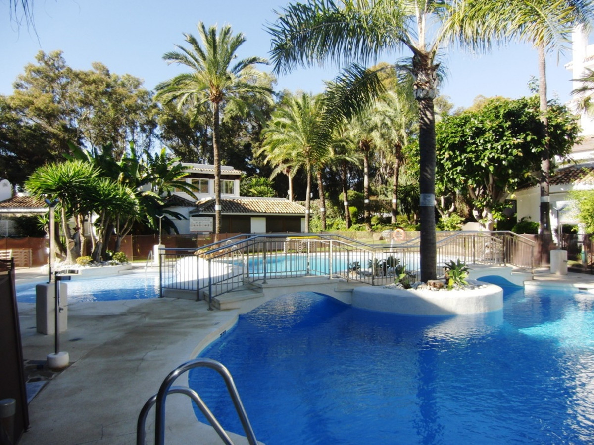 3 bedroom corner apartment with south orientation just 100 meters from one of the best beaches in Ma,Spain