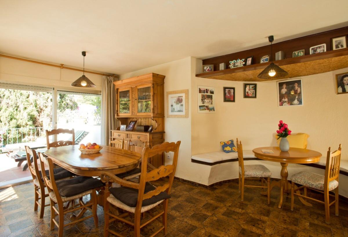 Villa con 4 Dormitorios en Venta Nueva Andalucía