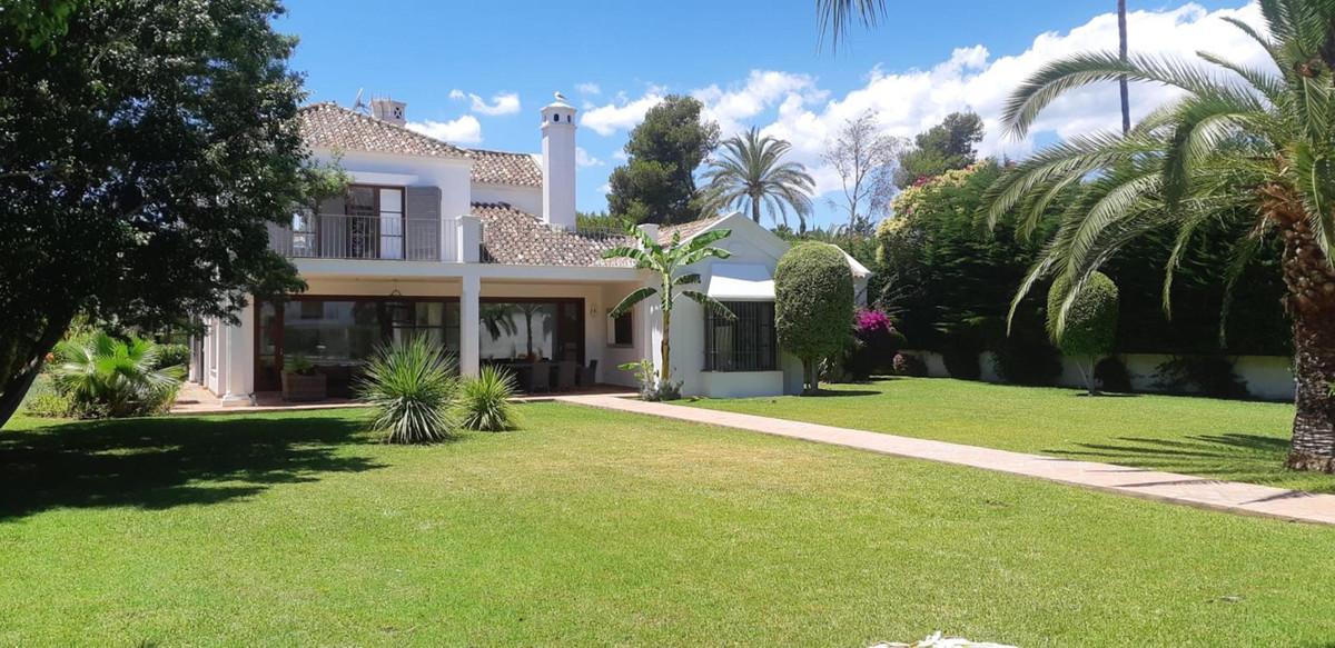 An elegant villa in Guadalmina Baja, close to the beach. Designed by Cesar Leyva with Mediterranean ,Spain