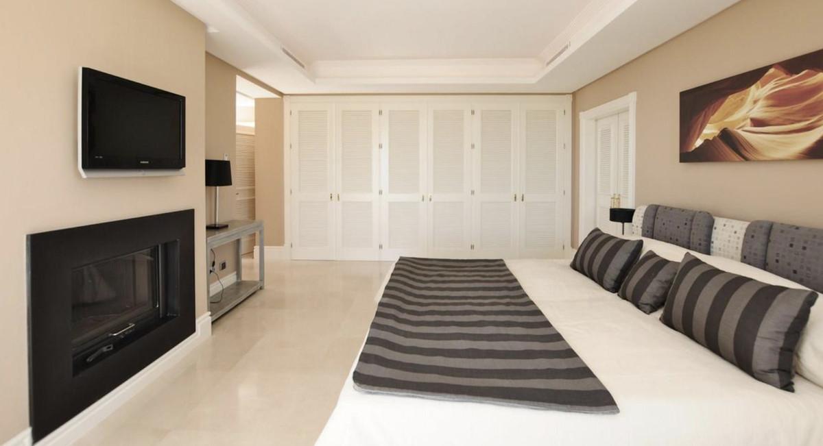House in Altos de los Monteros R3418693 12