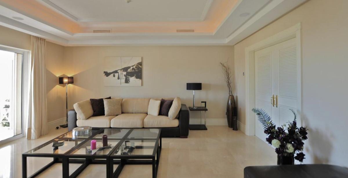 House in Altos de los Monteros R3418693 15