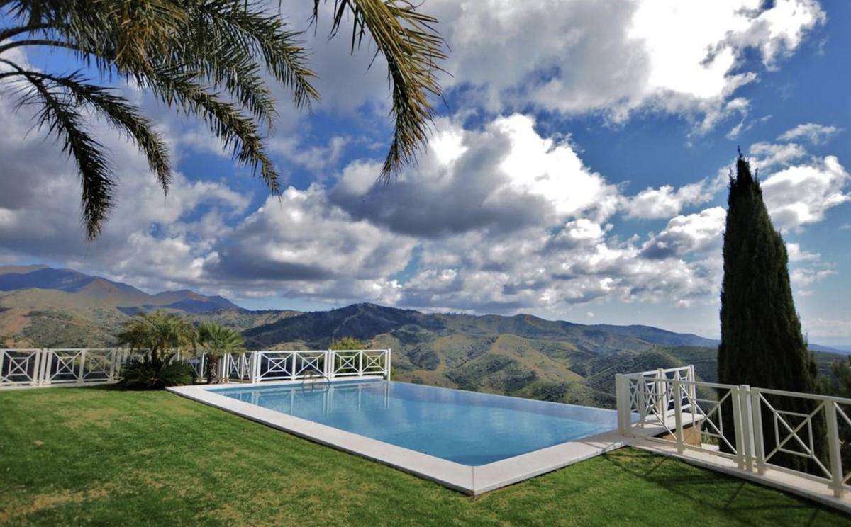 House in Altos de los Monteros R3418693 24