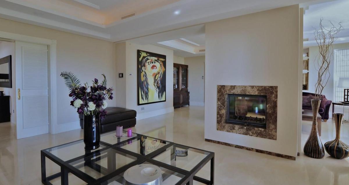 House in Altos de los Monteros R3418693 6
