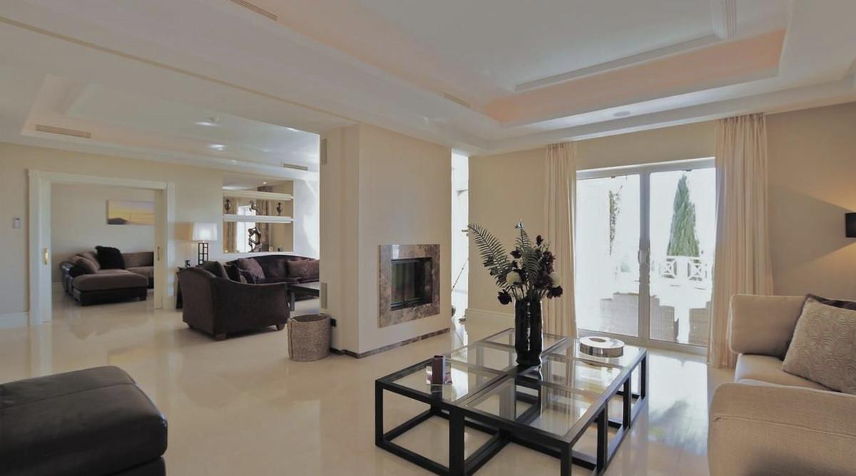 House in Altos de los Monteros R3418693 7