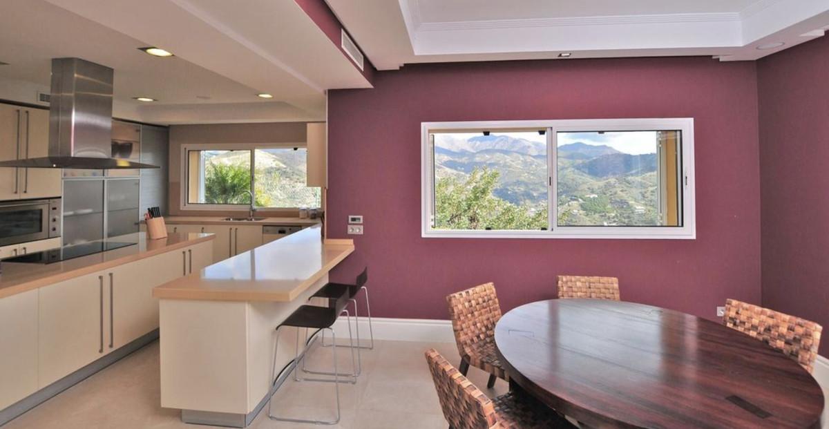 House in Altos de los Monteros R3418693 8