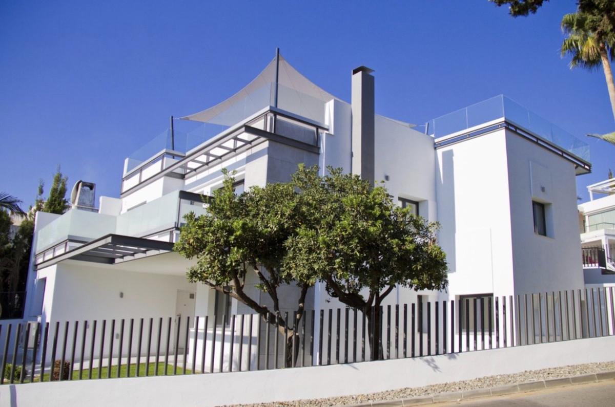 Villa 7 Dormitorios en Venta Guadalmina Alta