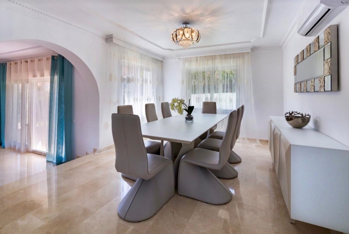 6 Bedroom Villa for sale Puerto Banús
