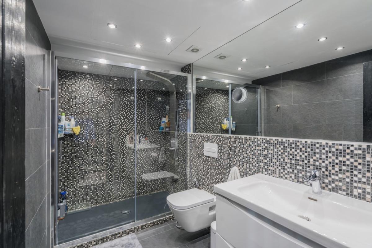 1 Bedroom Penthouse Apartment For Sale Puerto Banús