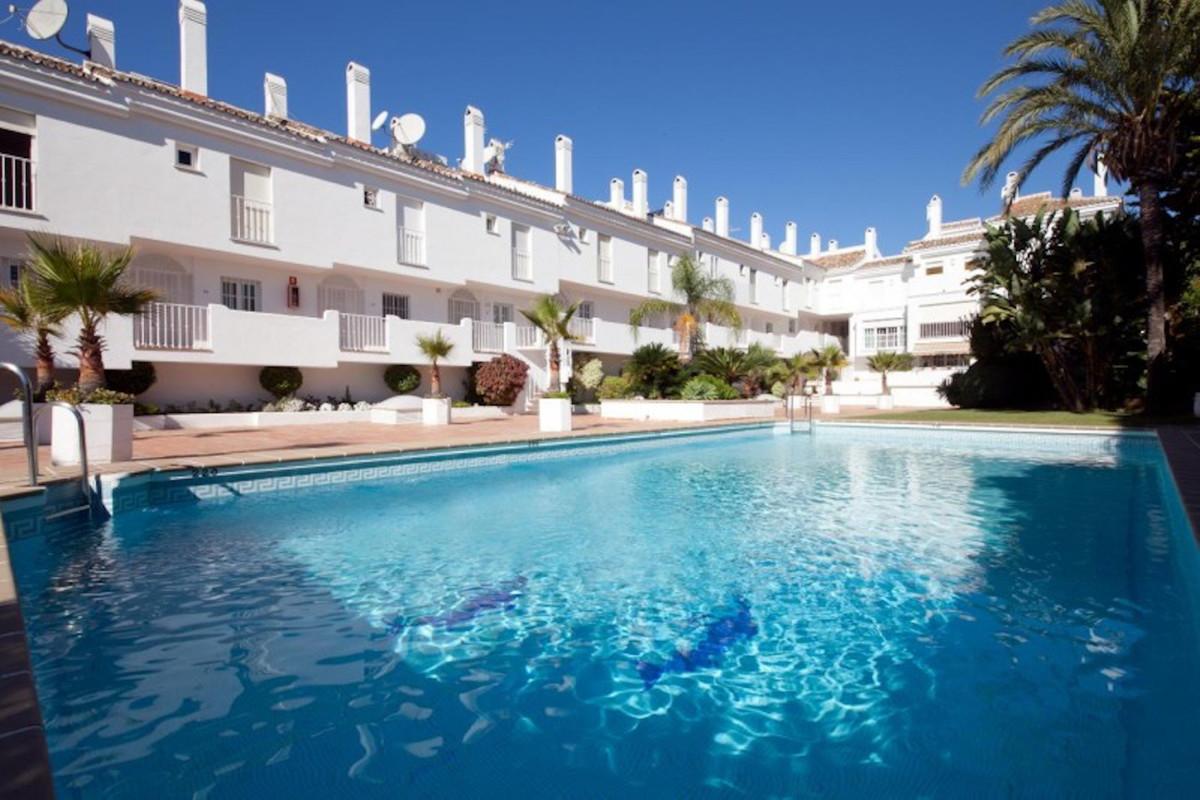 Apartment Penthouse for sale in Puerto Banús, Costa del Sol