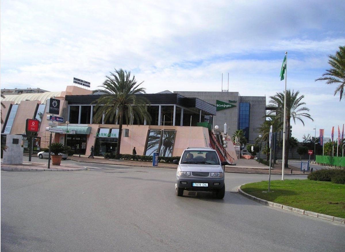 Commercial in Puerto Banús