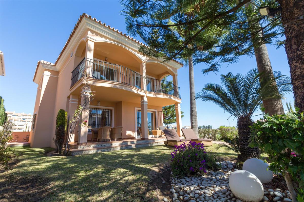 Villa  Independiente en venta   en Riviera del Sol