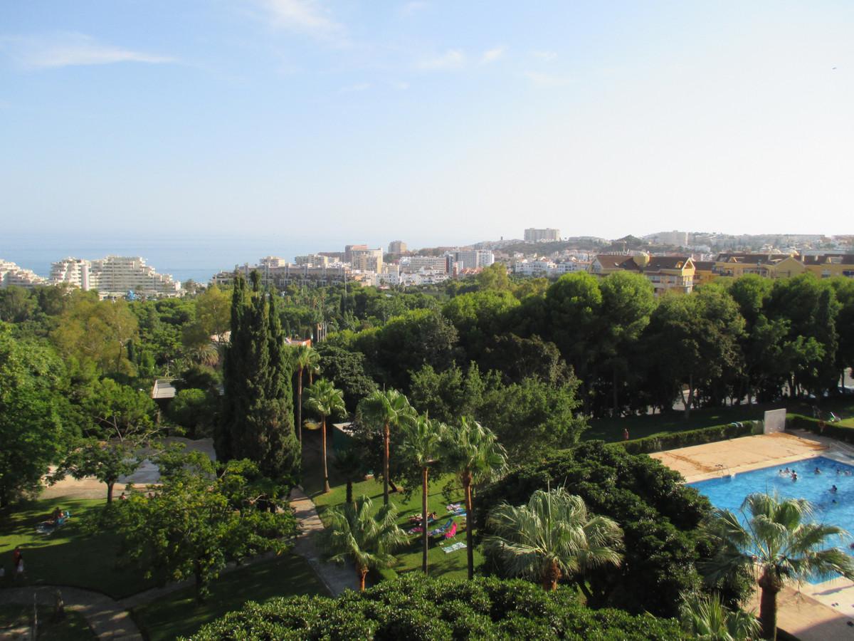 Apartment Middle Floor Benalmadena Costa Málaga Costa del Sol R3906697 7