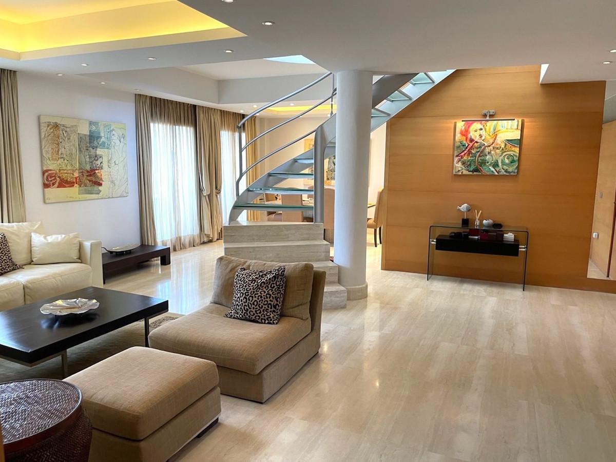 5 Bedroom Apartment for sale Puerto Banús