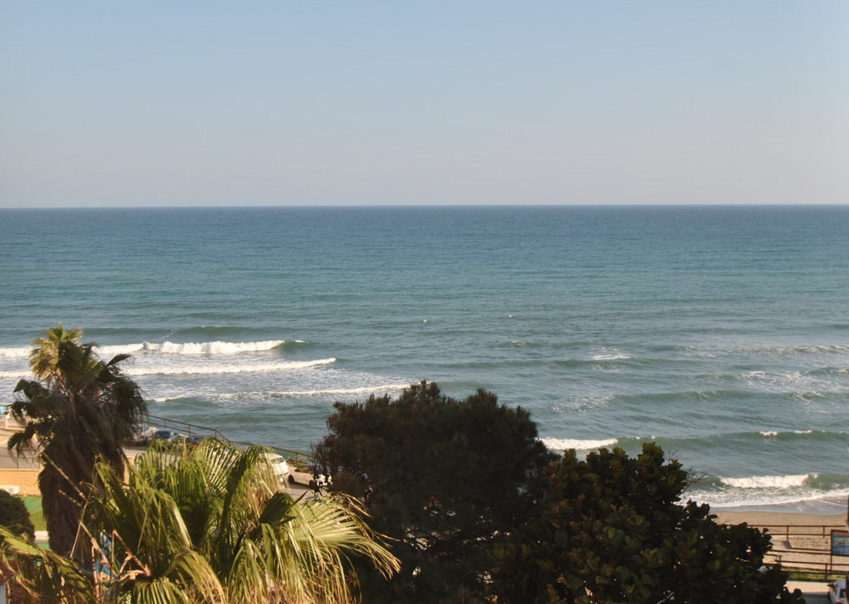 Front line beach apartment - Calahonda