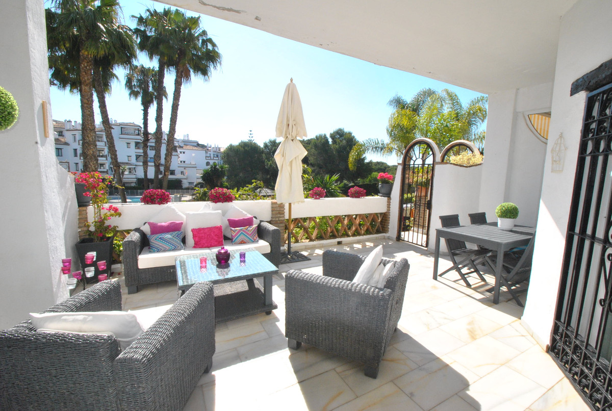 A very well presented two bed two bath ground floor apartment in a popular development in Calahonda ,Spain