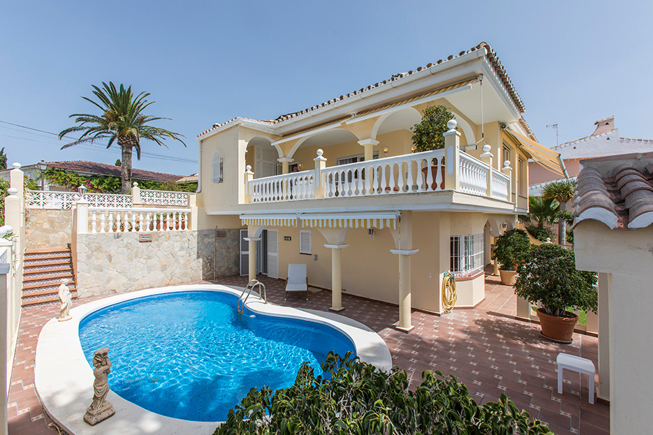 Fritliggende Villa i Elviria R3303664