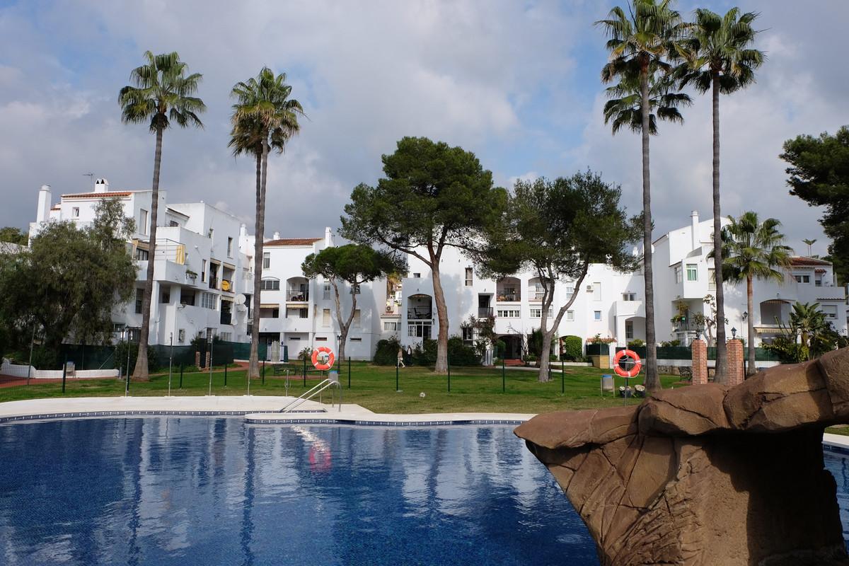 Ground floor apartment in Parque Elviria, East Marbella, with three bedrooms and two bathrooms, livi,Spain