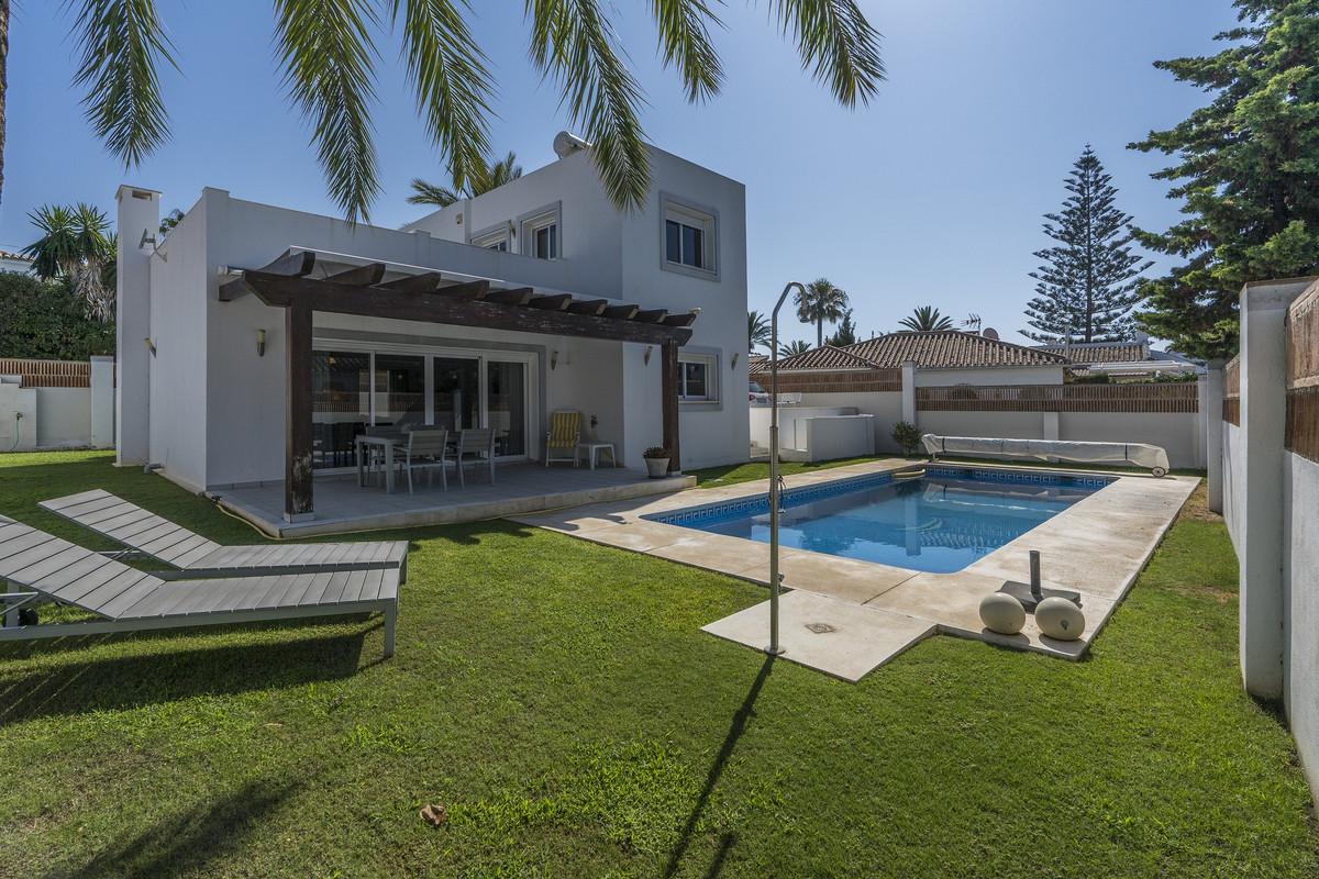 Detached Villa in Marbesa R3473254