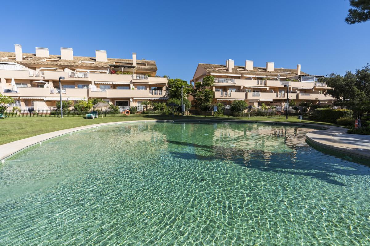 Apartment Middle Floor Elviria Málaga Costa del Sol R3531658