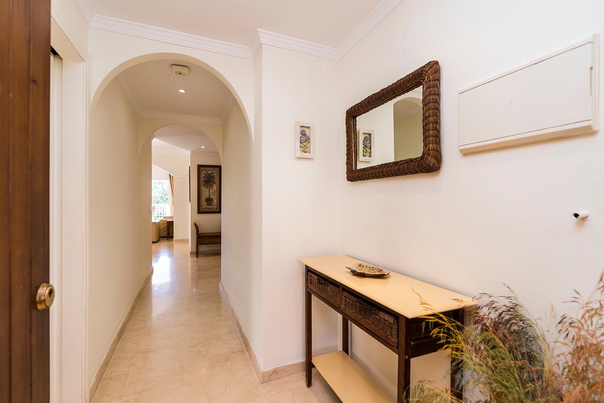 Apartment Middle Floor Elviria Málaga Costa del Sol R3531658 2