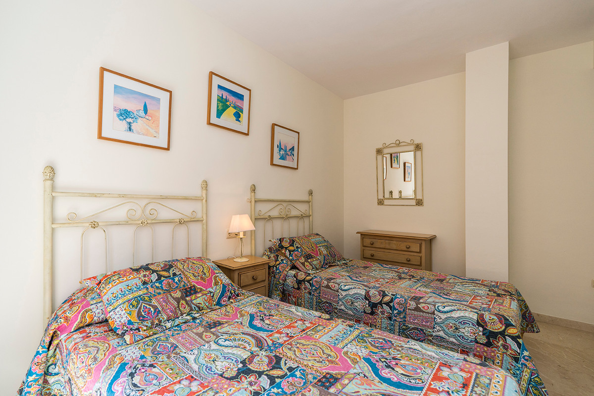 Apartment Middle Floor Elviria Málaga Costa del Sol R3531658 8