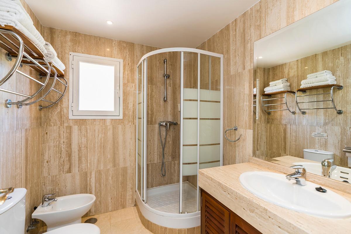Apartment Middle Floor Elviria Málaga Costa del Sol R3531658 9