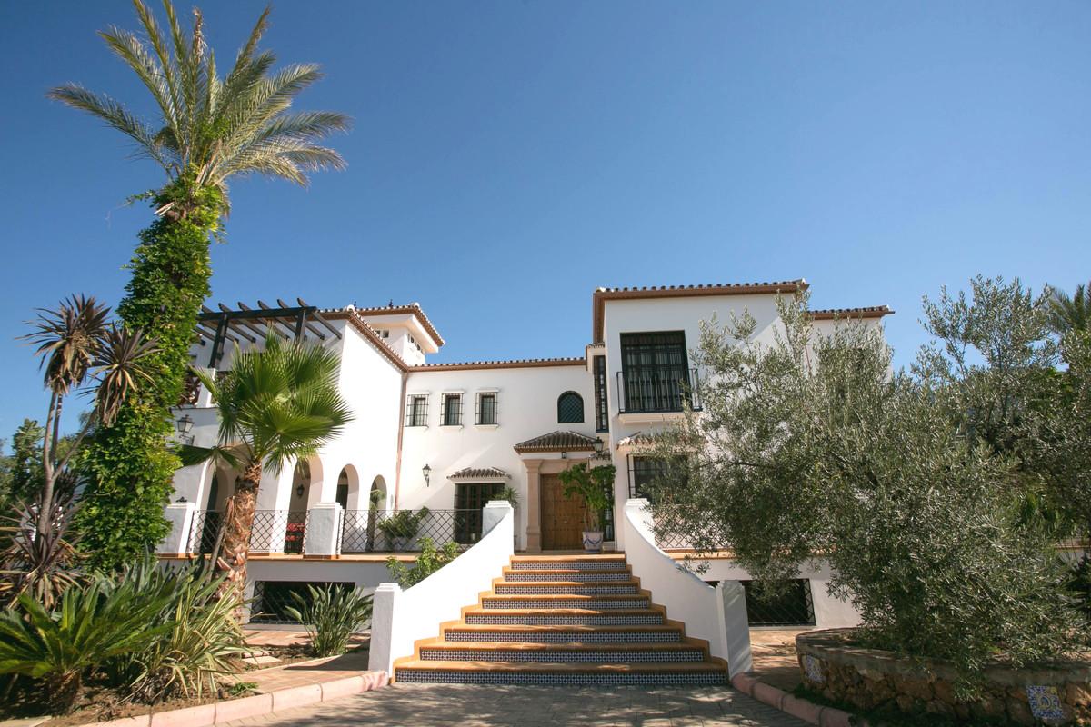 Villa 11 Dormitorios en Venta Alhaurín el Grande