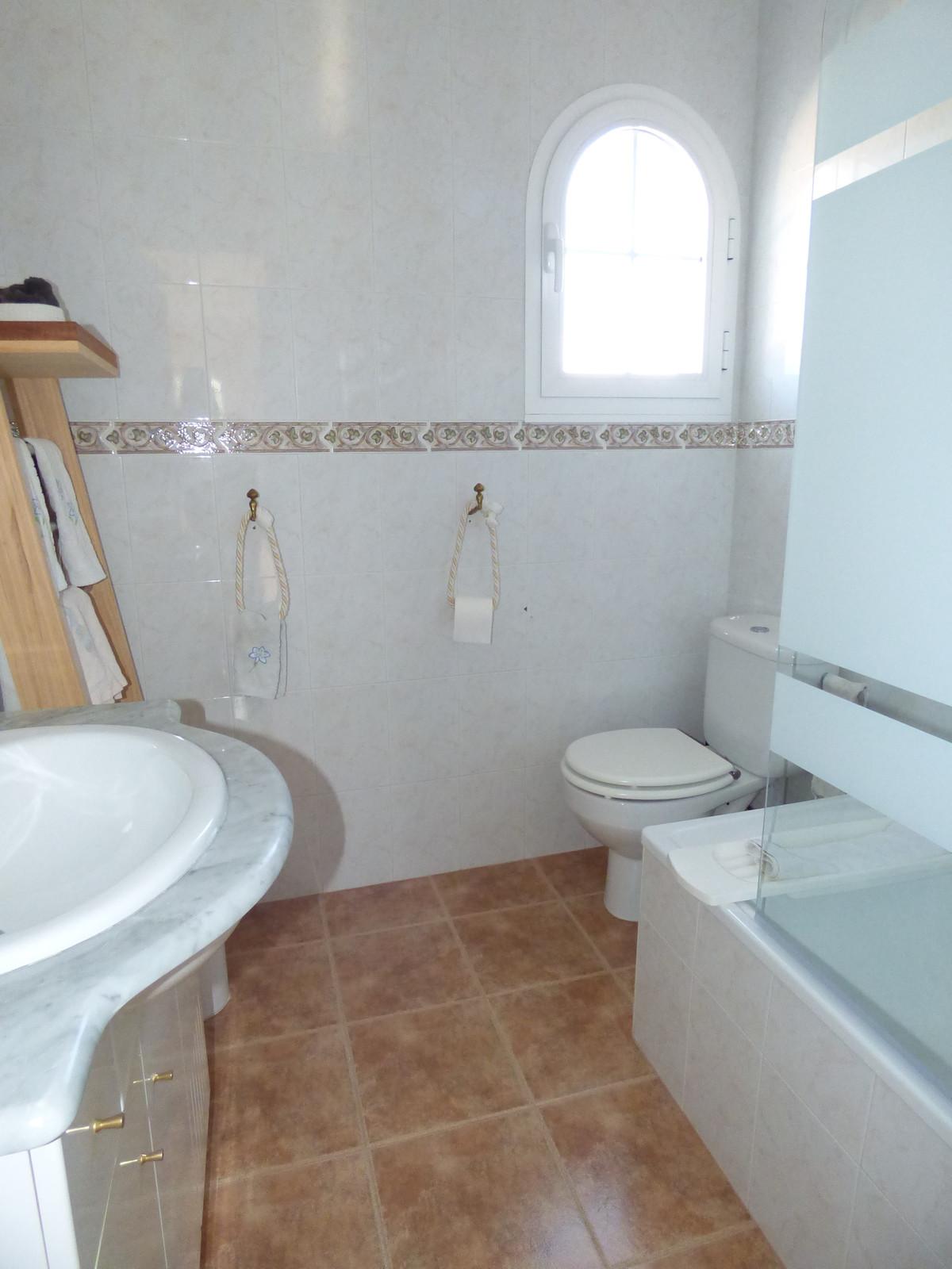 House in Alhaurín el Grande R3751153 44
