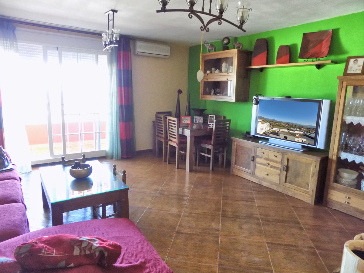 Apartment  Ground Floor for sale   in Coín