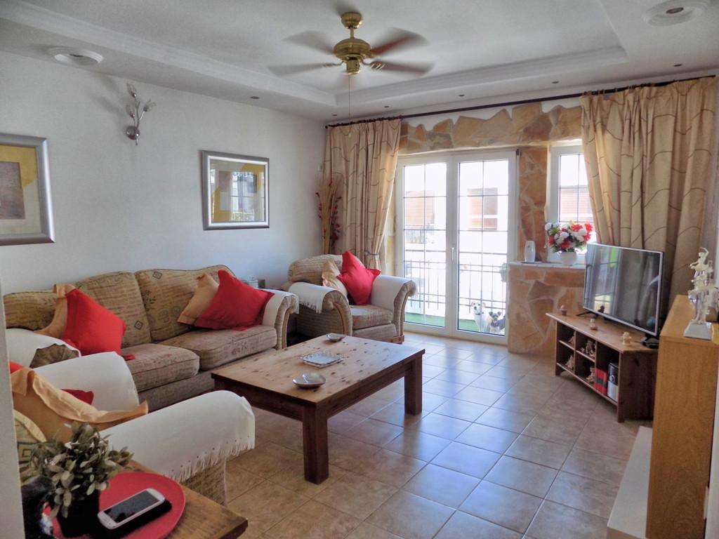 Apartamento Planta Media 3 Dormitorio(s) en Venta Coín