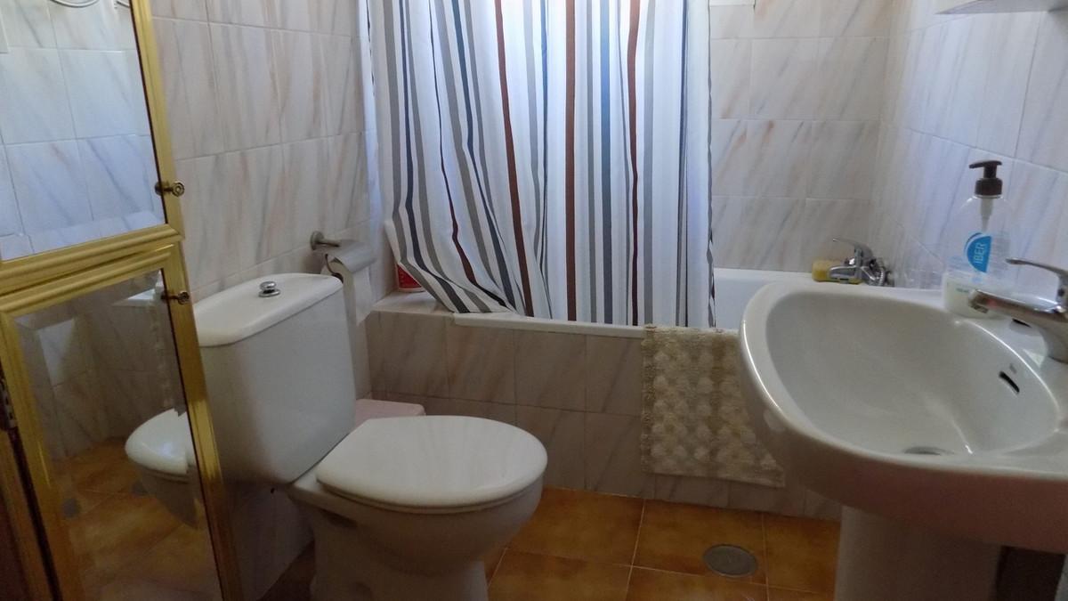 House in Alhaurín de la Torre R2921963 13