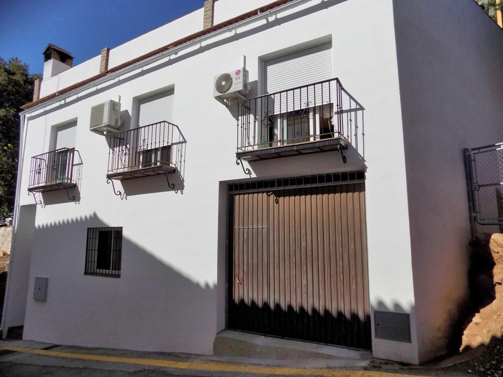 3 bedroom townhouse for sale ojen