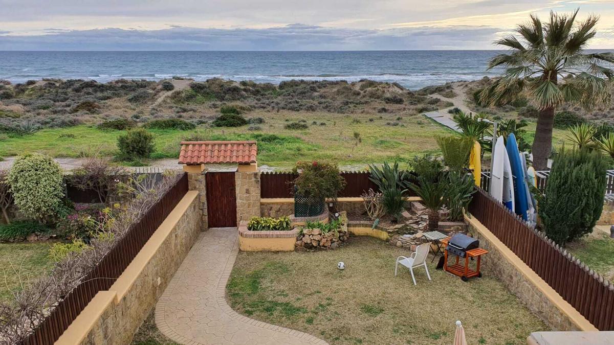 5 bedroom townhouse for sale bahia de marbella