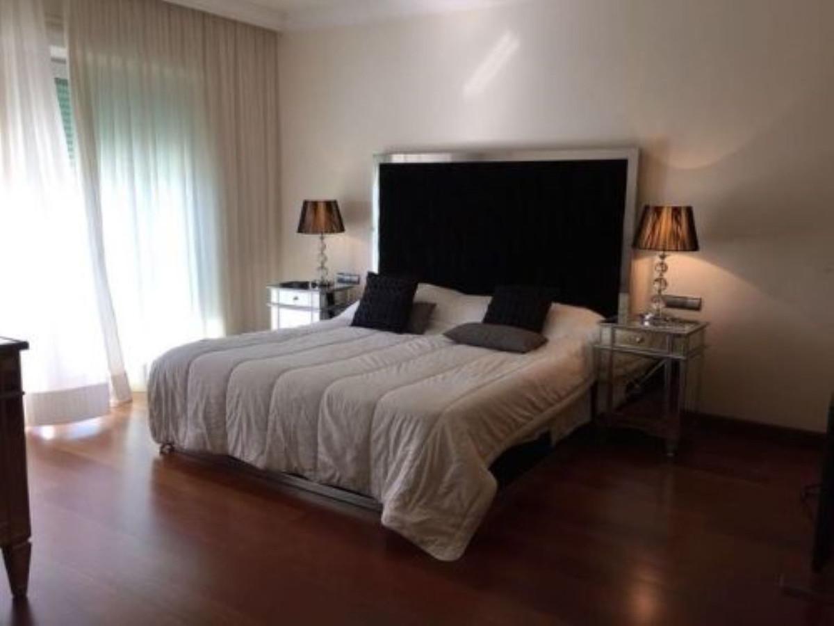 4 Bedroom Penthouse Apartment For Sale Puerto Banús