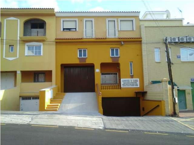Unifamiliar Adosada 4 Dormitorio(s) en Venta Arroyo de la Miel