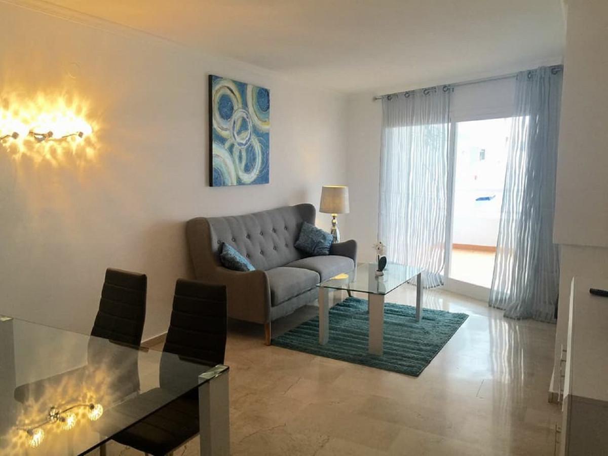Appartement  Mi-étage en vente  et en location  à Estepona