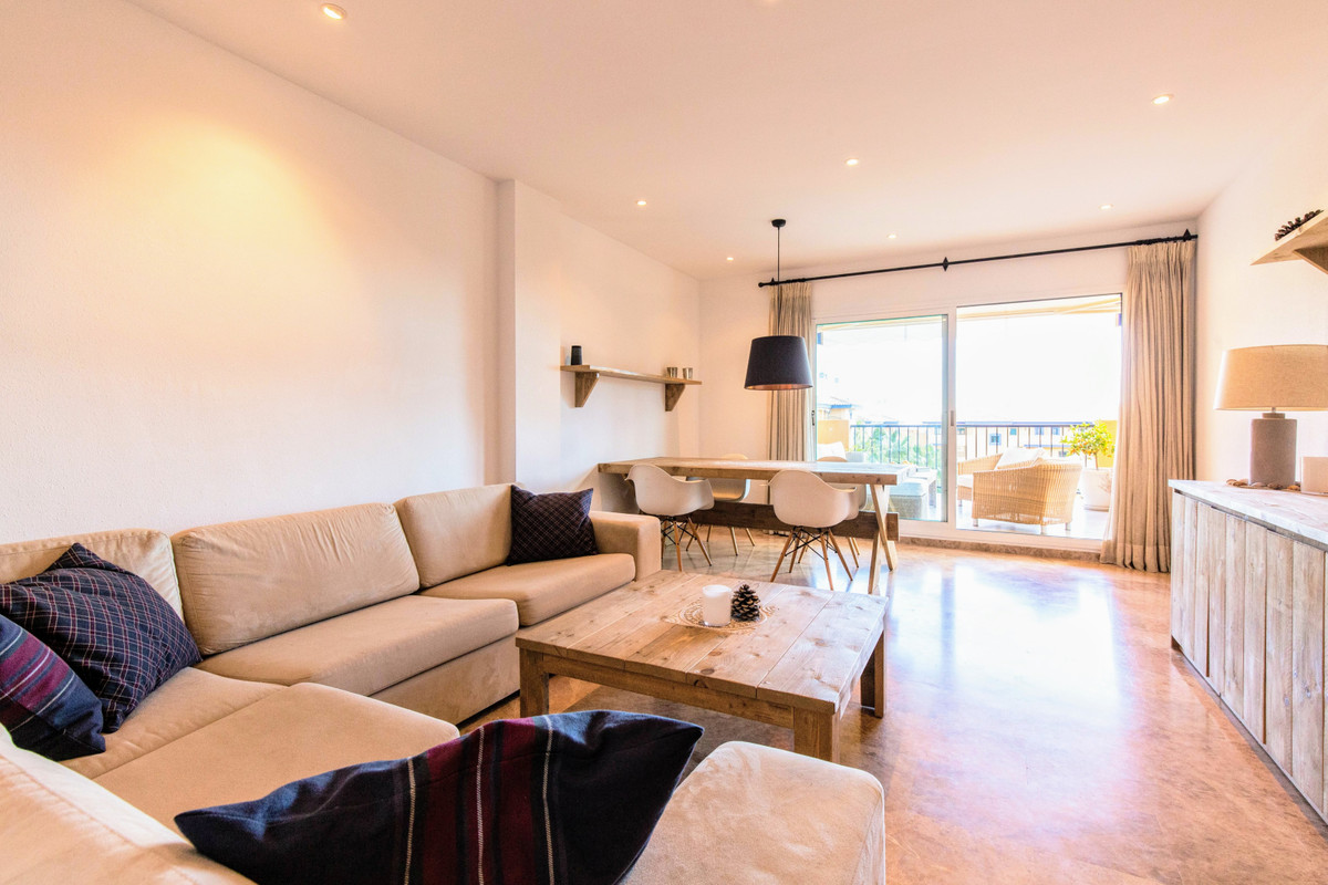 Apartament na ostatnim piętrze w San Pedro de Alcántara R3477820
