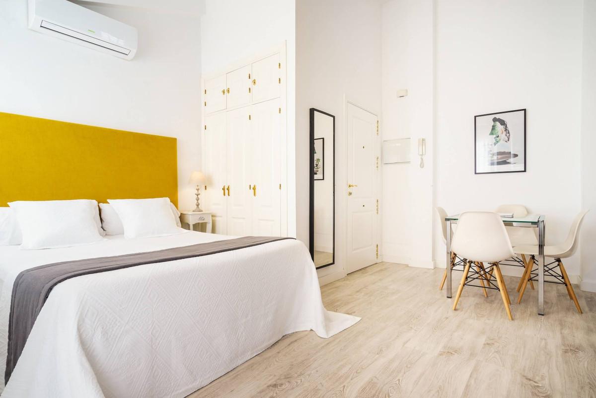 Middle Floor Studio, Malaga Historic Centre Mercado de Atarazanas, Costa del Sol. 1 Bedroom, 1 Bathr,Spain