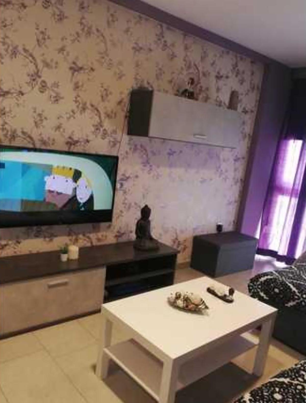 Middle Floor Apartment, Malaga, Costa del Sol. 3 Bedrooms, 1 Bathroom, Built 77 m².  Setting : Town.,Spain