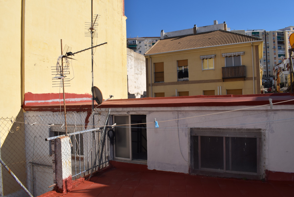 Townhouse, Malaga 4mn historic Centre, Costa del Sol. 10 Bedrooms, 10 Bathrooms, Built 162 m². PotenSpain