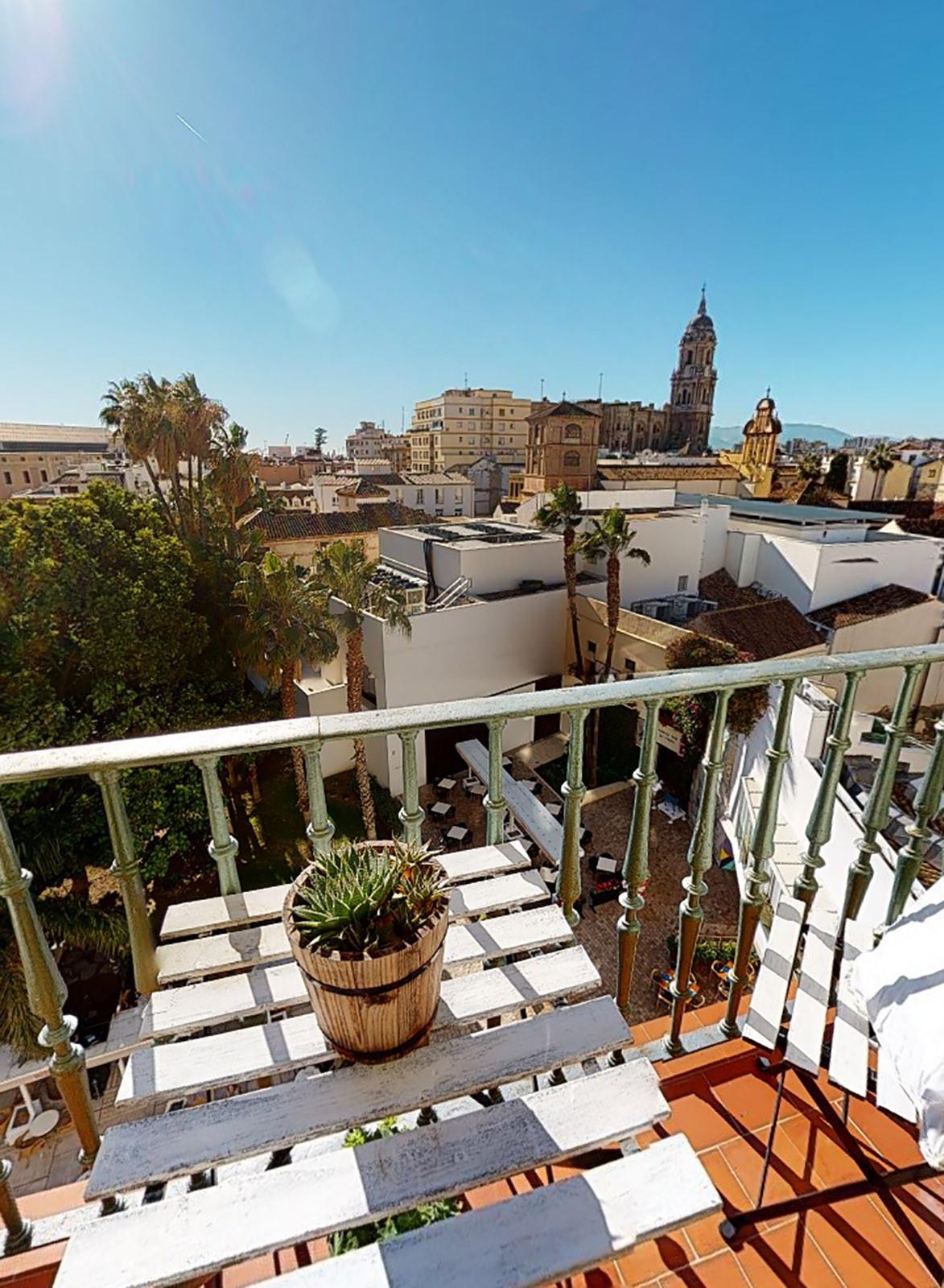 Middle Floor Apartment, Malaga historic Centre, Costa del Sol. 3 Bedrooms, 2 Bathrooms, Built 117 m²,Spain