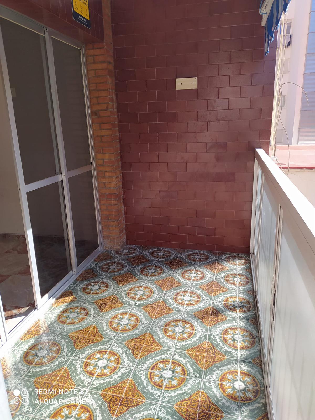 Middle Floor Apartment, Malaga Huelin area, Costa del Sol. 3 Bedrooms, 1 Bathroom, Built 73 m².  Set,Spain